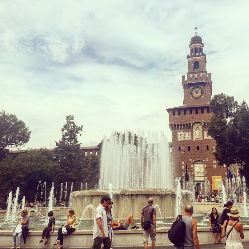 Fountain outside Castello Sforzesco