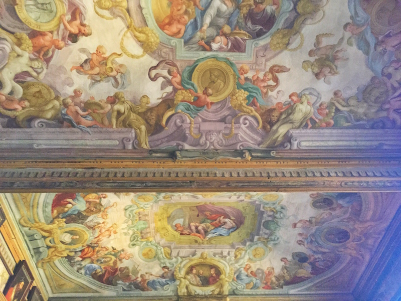 Couldn't take many pictures inside Uffizi Gallery but here's one of the frescoed ceiling.
